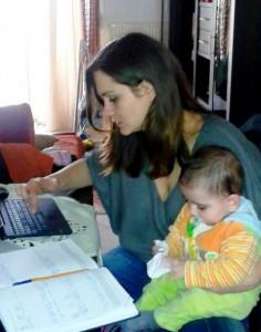 εργαζόμενη μητέρα_thessmama