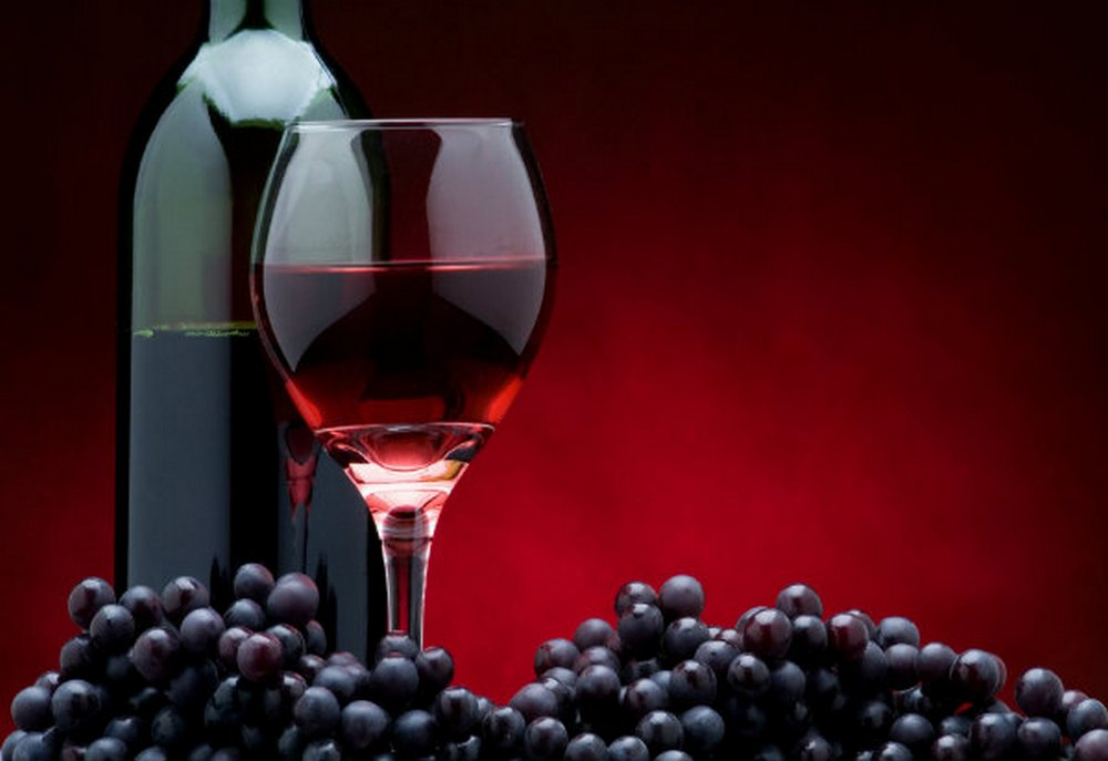 red grapes-wine